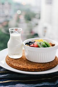round white ceramic bowl