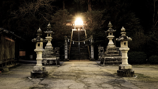 temple entrance with four poles