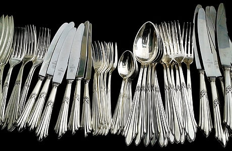 gray stainless steel cutlery set