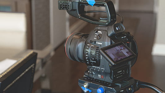 Canon DSLR camera with stand