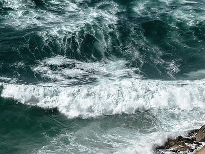 flow of seawater photography