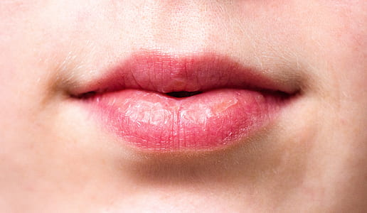 person's pink lips