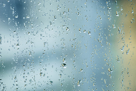 closeup photo of clear glass with water droplets