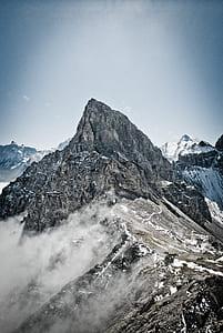 brown snowy mountain