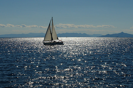 boat sailing during daytime