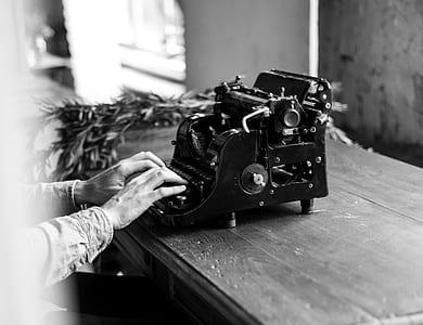 Grayscale Vintage Typewriter