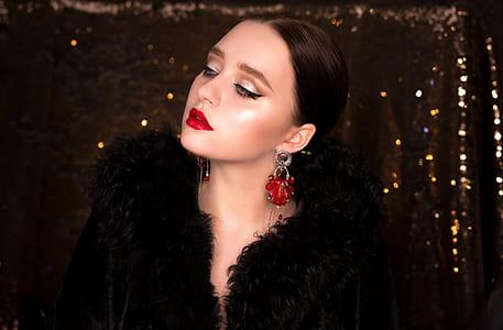 woman wearing black fur top