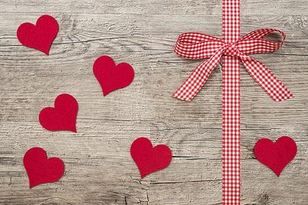 heart suede cutout decors near bow