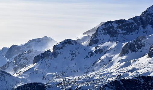 photograph of show mountain