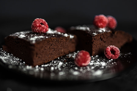 GLUTEN-FREE, RED BEAN BROWNIE WITH PEANUT BUTTER