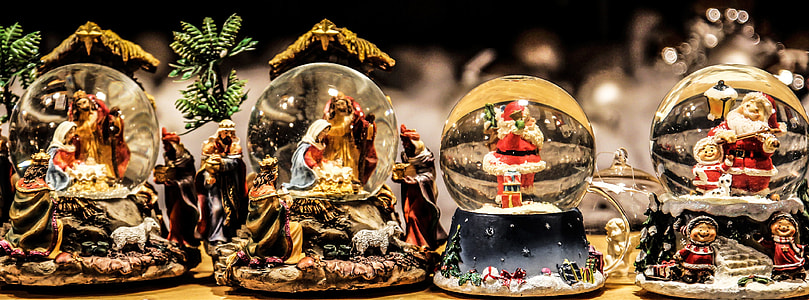 Christmas water globes