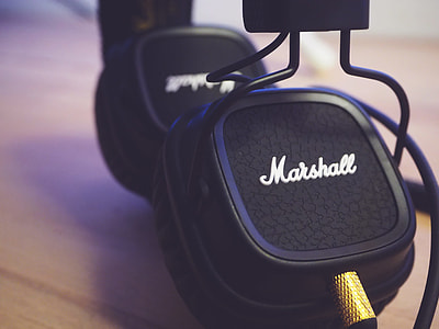 Marshall Headphones Retro