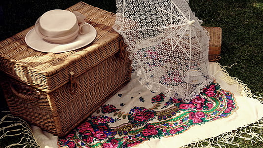 wicker basket with umbrella