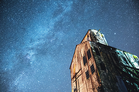 Building and stars in the night sky