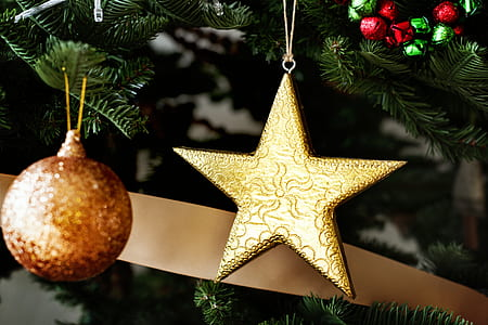 brown star and bauble decores