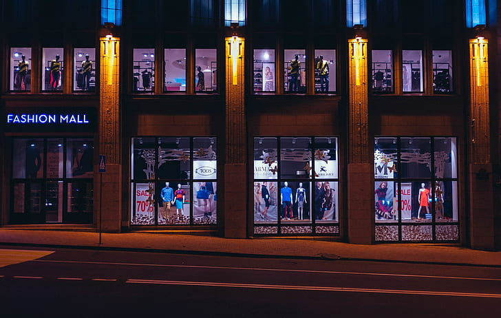 Fashion mall building