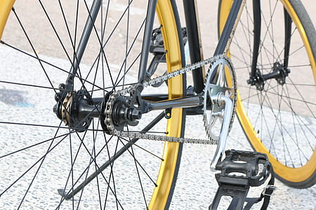 black rigid bicycle