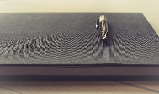black twist pen