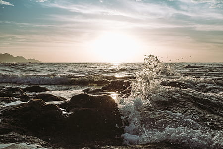 time lapse photography of sea waves
