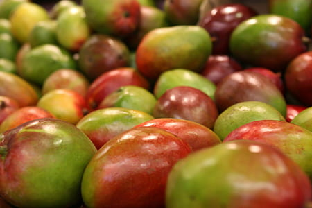 green-and-red fruit lot