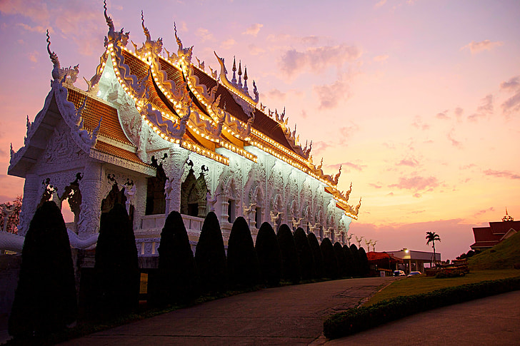 temple photo during golden hour
