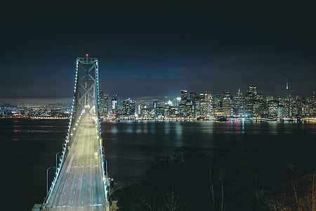 Bridge inSan Francisco at night