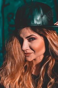 women's green leather fitted cap