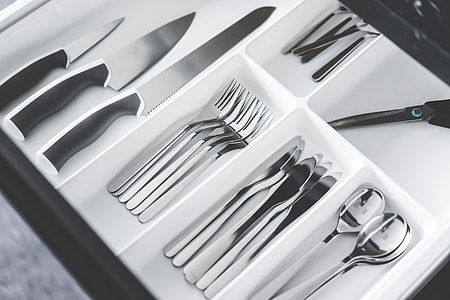 White Simple Cutlery Drawer Insert in Kitchen Sideboard