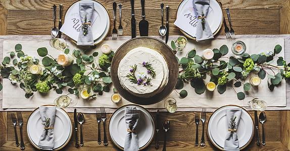 white ceramic dinnerware set