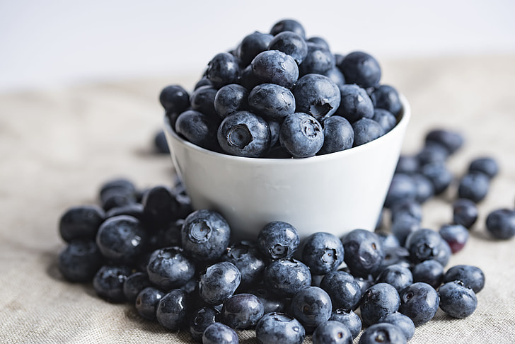 Royalty-Free photo: Bowl of blueberries | PickPik