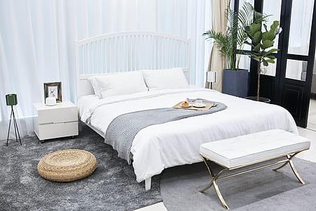 white quilt set