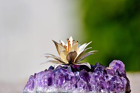 purple geode rock