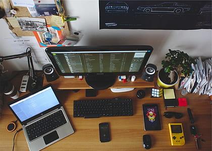 black flat screen computer monitor switch on