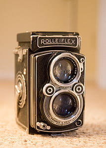 black and gray Rolleiflex vintage camera