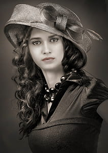photo of woman in hat