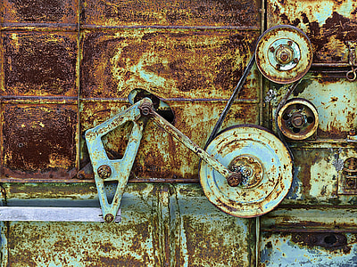 photo of a metal pulley mechanism