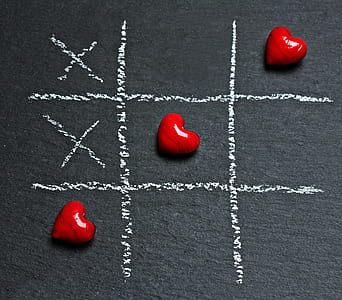 tic-tac toe game with heart stones