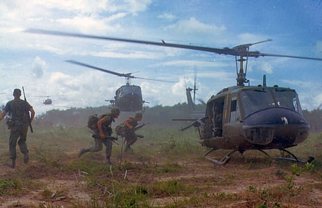 soldiers near helicopter