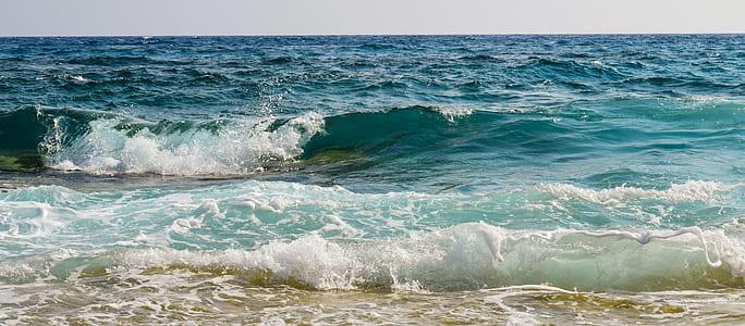 sea waves near seashore