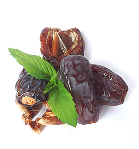 brown dried dates