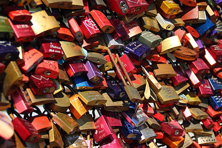 assorted padlock lot