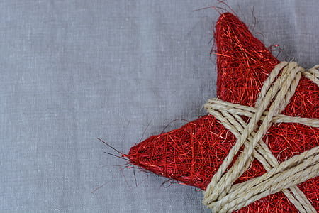 red wicker star with brown rope decor