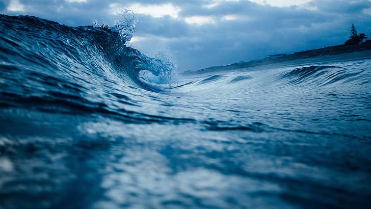 macrophotograph of ocean waves