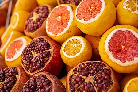 pomegranate and orange fruit lot