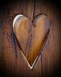 brown heart-shaped wooden panel