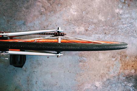 bike wheel photograph
