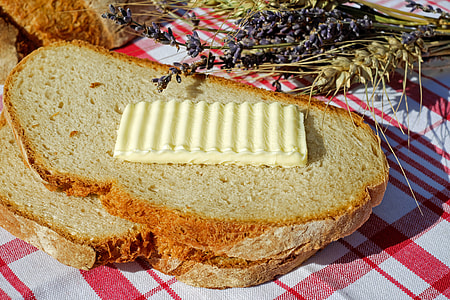 sandwich with butter topping