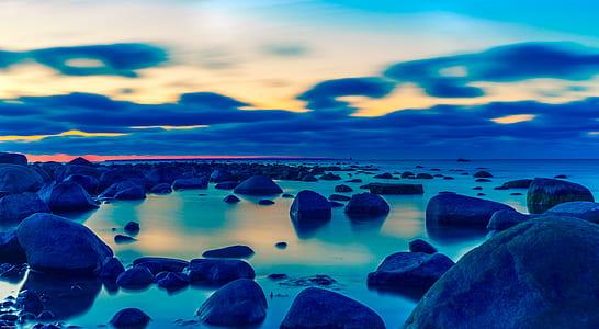 sea rocks photo