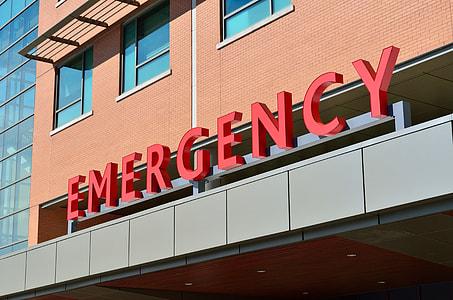 emergency hospital signage