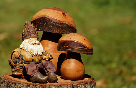 gnome and mushroom sculptures